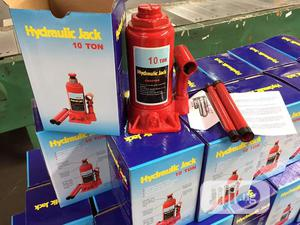 Hydraulic Bottle Jack 10ton | Vehicle Parts & Accessories for sale in Lagos State, Ojo