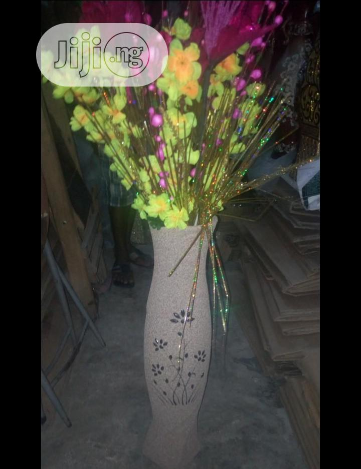 Quality Flower Vases and Lovely Flovwers