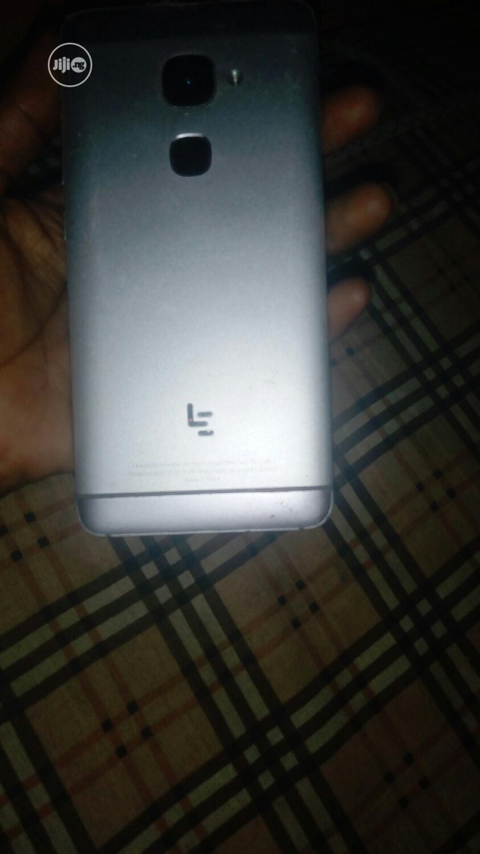 Archive: LeEco Le S3 32 GB Silver