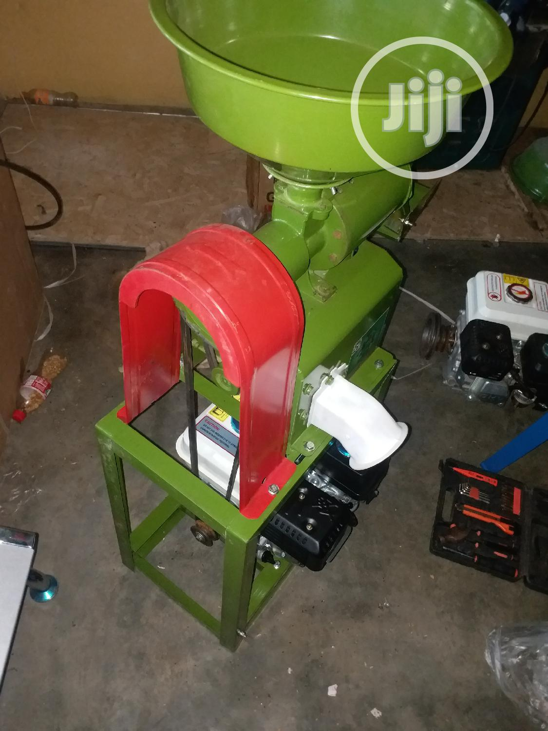 Gasoline Powered Rice Mill