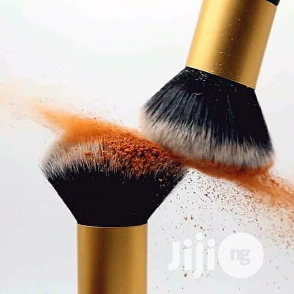 Archive: Zaron Powder Brush