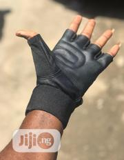 Weight Gyms Gloves   Sports Equipment for sale in Lagos State, Lekki Phase 2