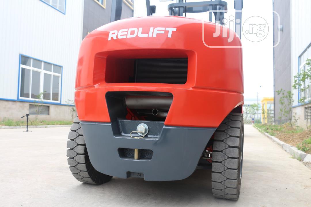 3 Tons Redlift Forklift 2019