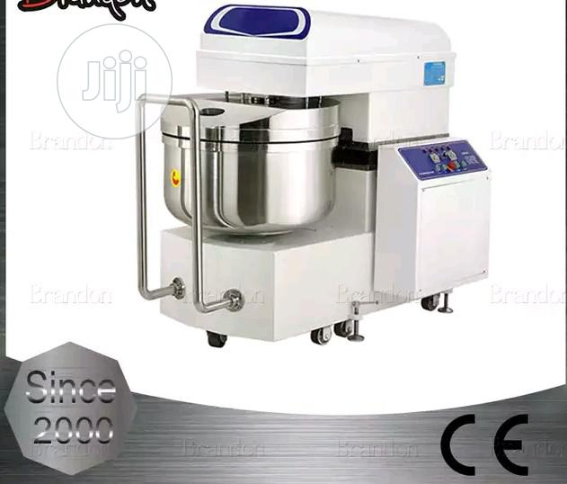 Dual Speed Heavy Duty Electric Bakery Spiral Dough Mixer For Bakeries