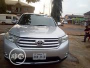 Toyota Highlander 2013 SE 3.5L 4WD Silver | Cars for sale in Lagos State, Alimosho
