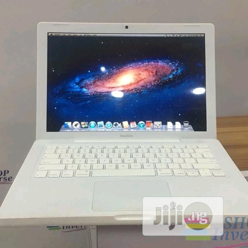 Laptop Apple MacBook 4GB Intel Core 2 Duo HDD 250GB | Laptops & Computers for sale in Apapa, Lagos State, Nigeria