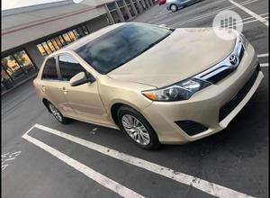 Toyota Camry 2012 Hybrid XLE Gold