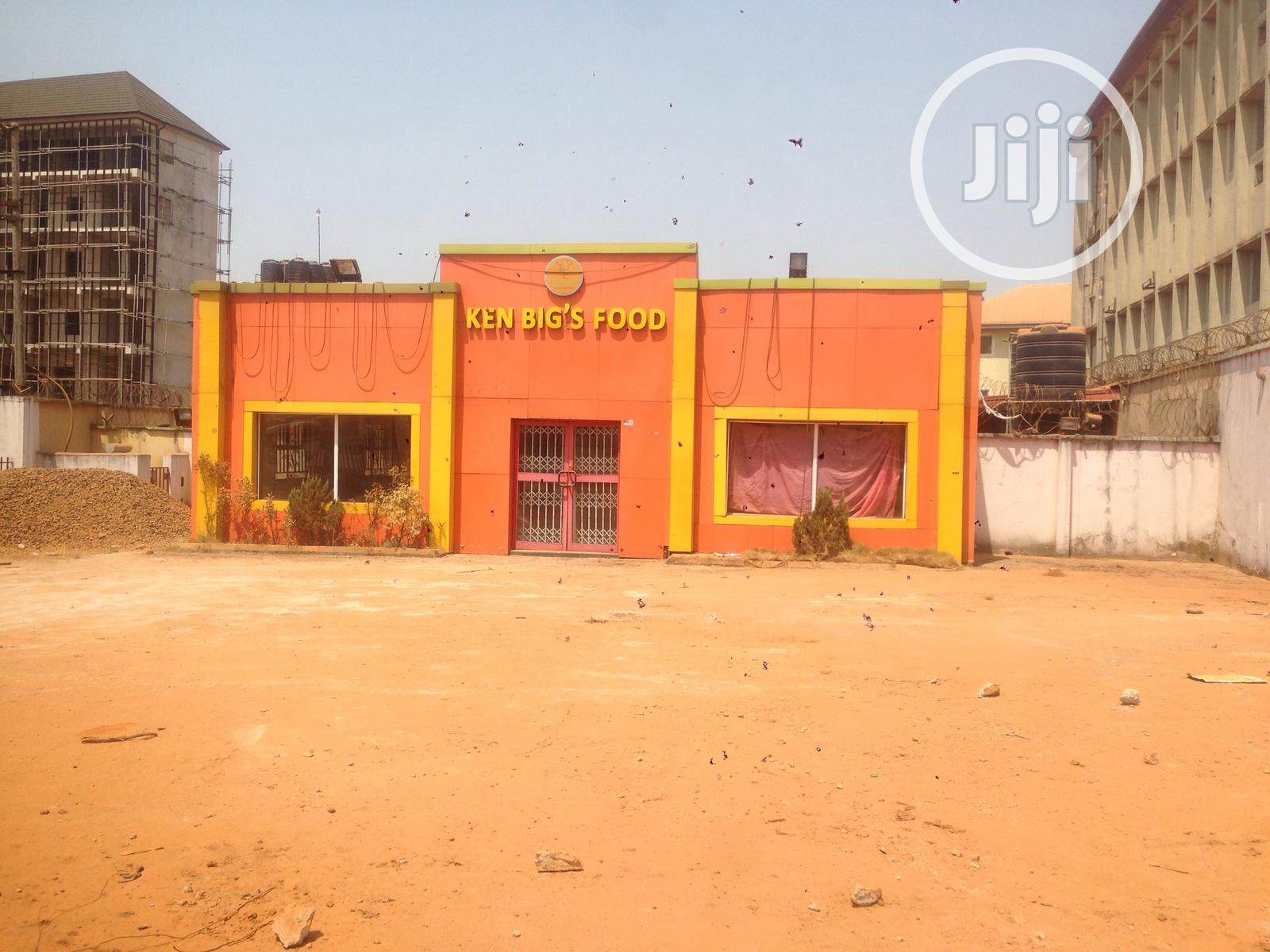 Fastfood Complex Located In A Prime Location Infront Of A Major Road