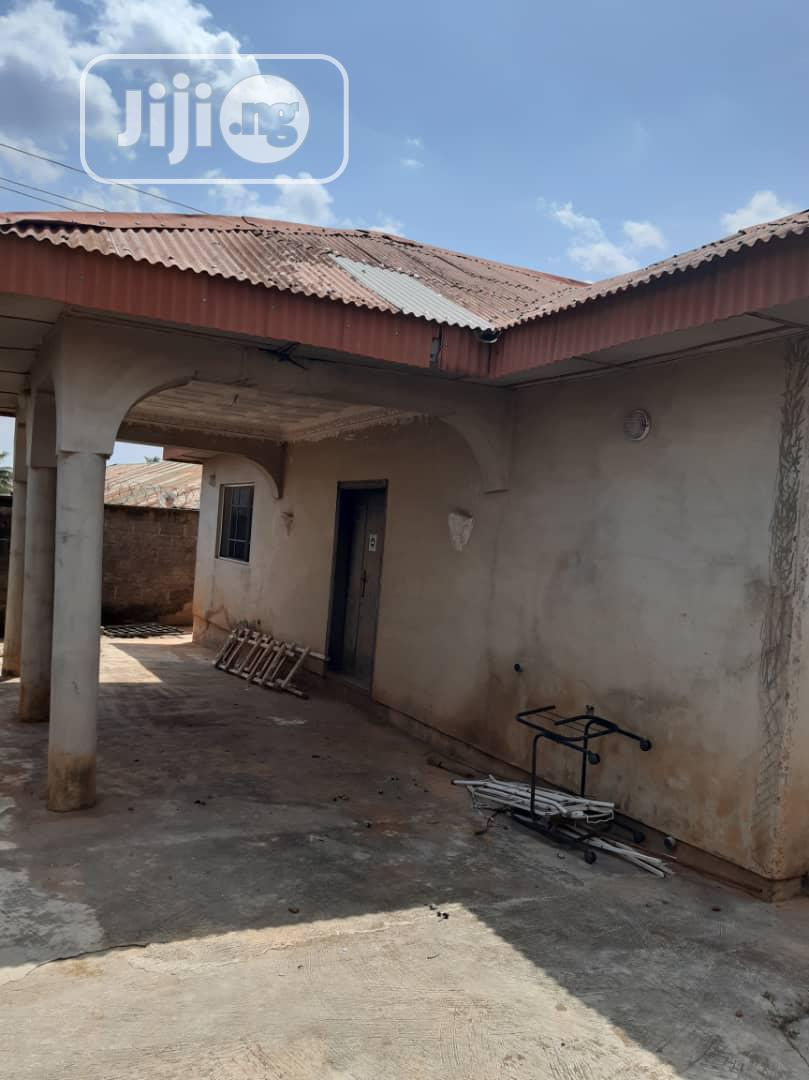 For Sale:4beds Bung.Off Academy B/Stop Lagos Ib.Exp | Houses & Apartments For Sale for sale in Ibadan, Oyo State, Nigeria