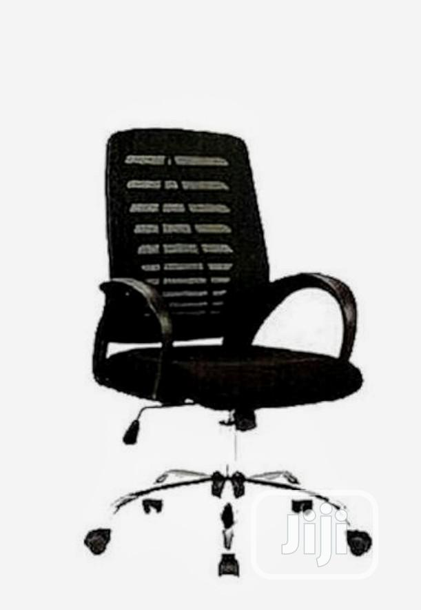 Black Mesh Swivel Office Chair