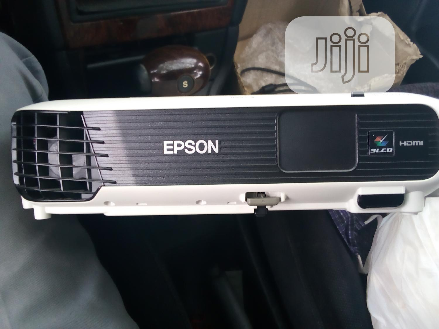 Epson Projector | TV & DVD Equipment for sale in Calabar, Cross River State, Nigeria