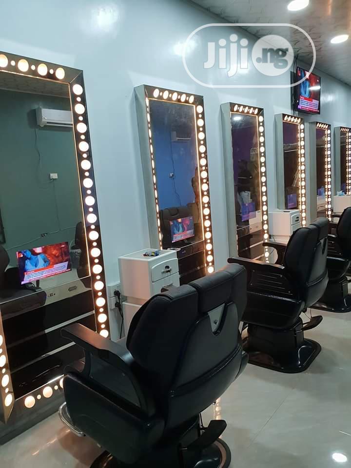 Show Room For Salon Equipment
