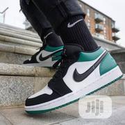 Air Jordan 1 Low GREEN TOE Sneakers Original   Shoes for sale in Lagos State, Surulere