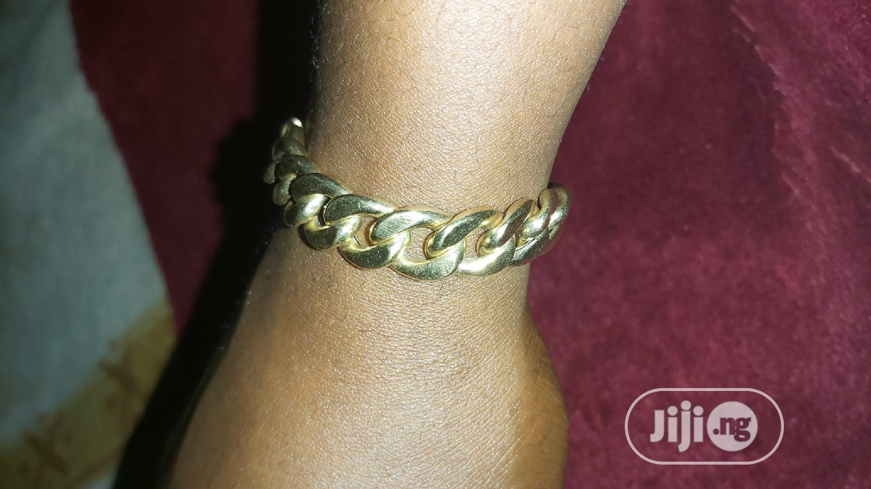 ITALY 750 Tested 18karat Solid Gold Cuban Design Bracelet