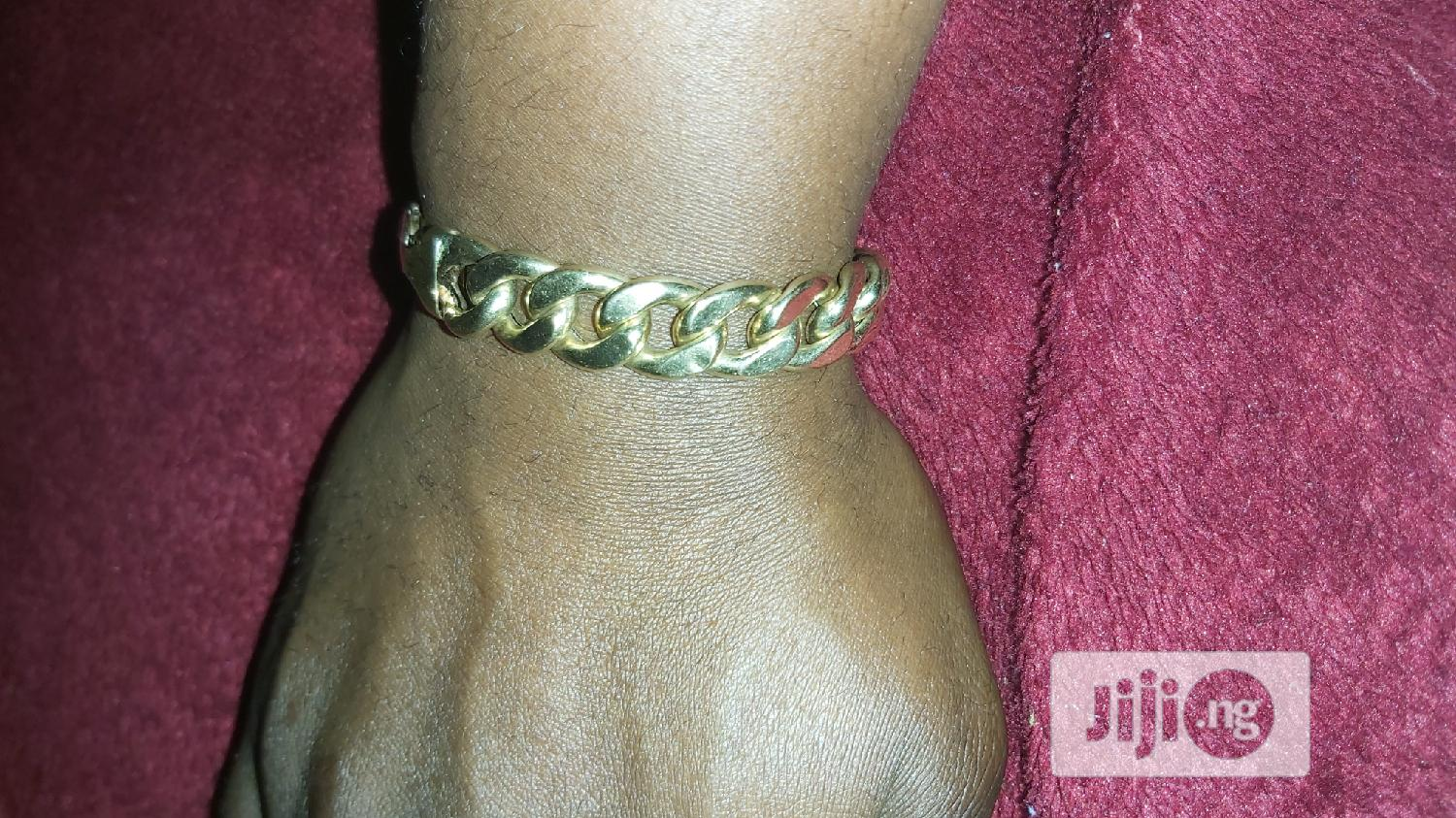 ITALY 750 Tested 18karat Solid Gold Cuban Design Bracelet | Jewelry for sale in Amuwo-Odofin, Lagos State, Nigeria