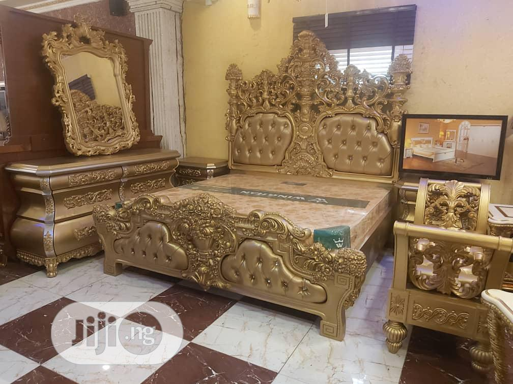 Archive: Executive Royal Bed