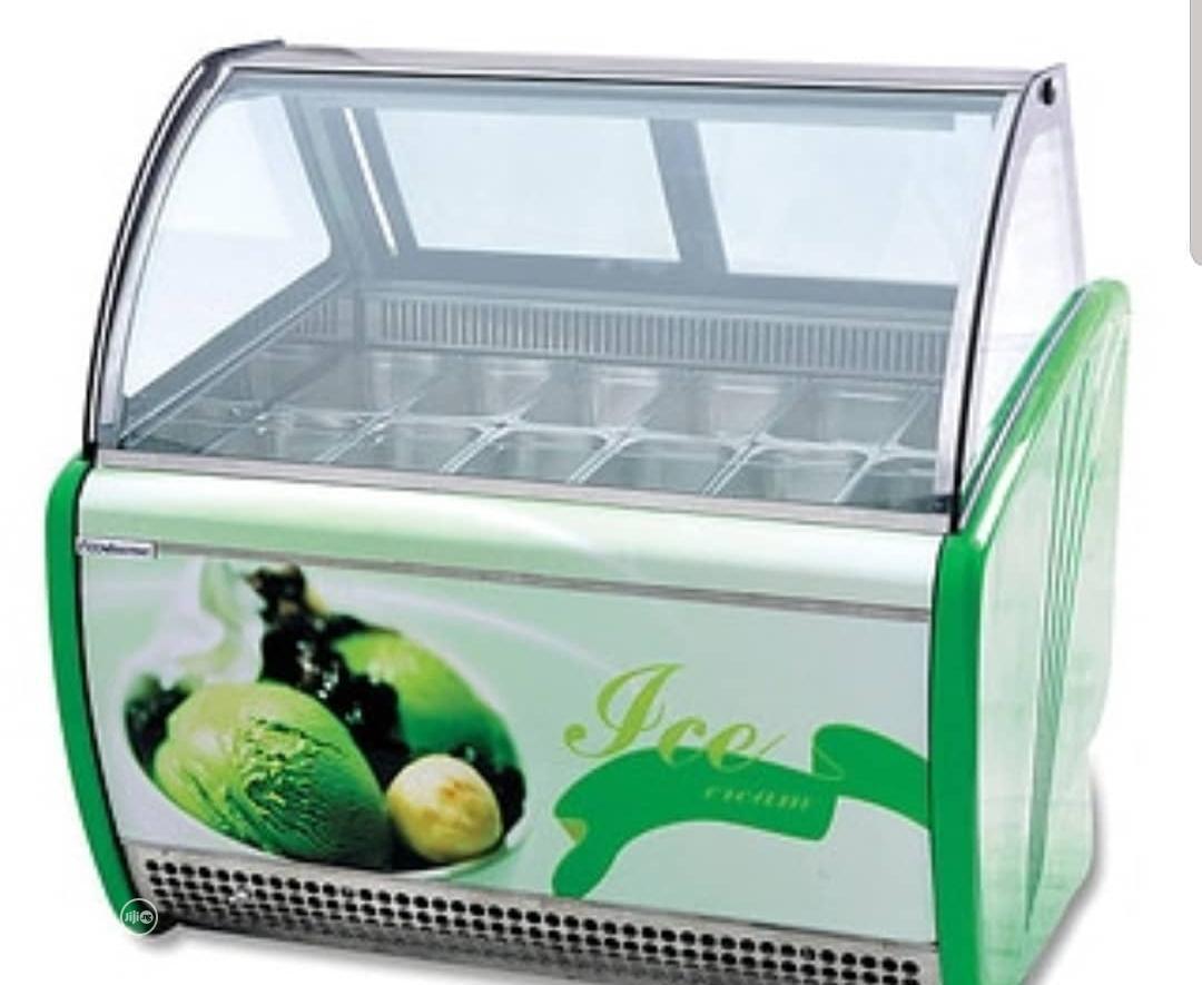 12pans Ice Cream Display Machine