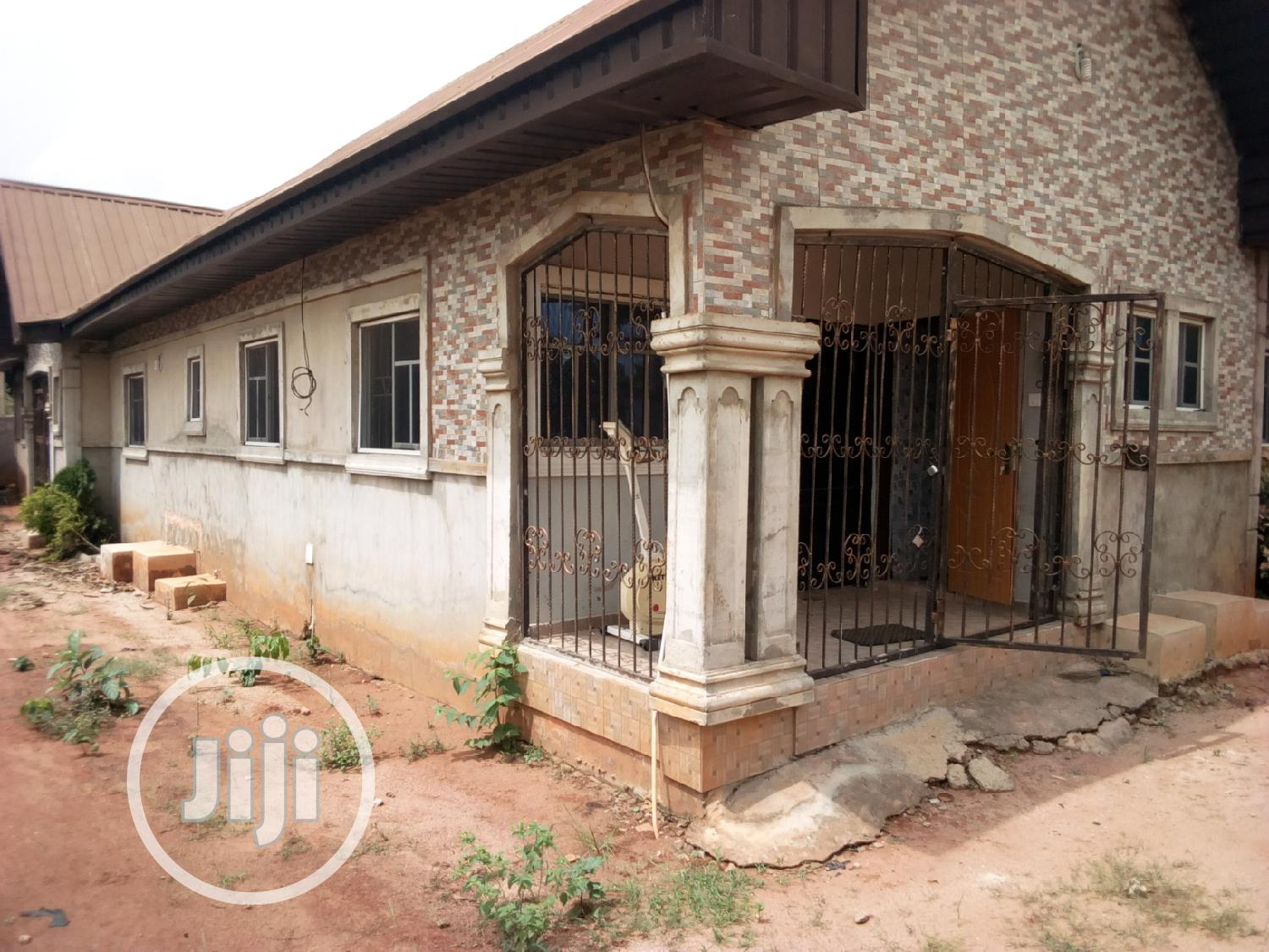 2flats Of Standard 3bedrooms Each On A 50x100 For Sale