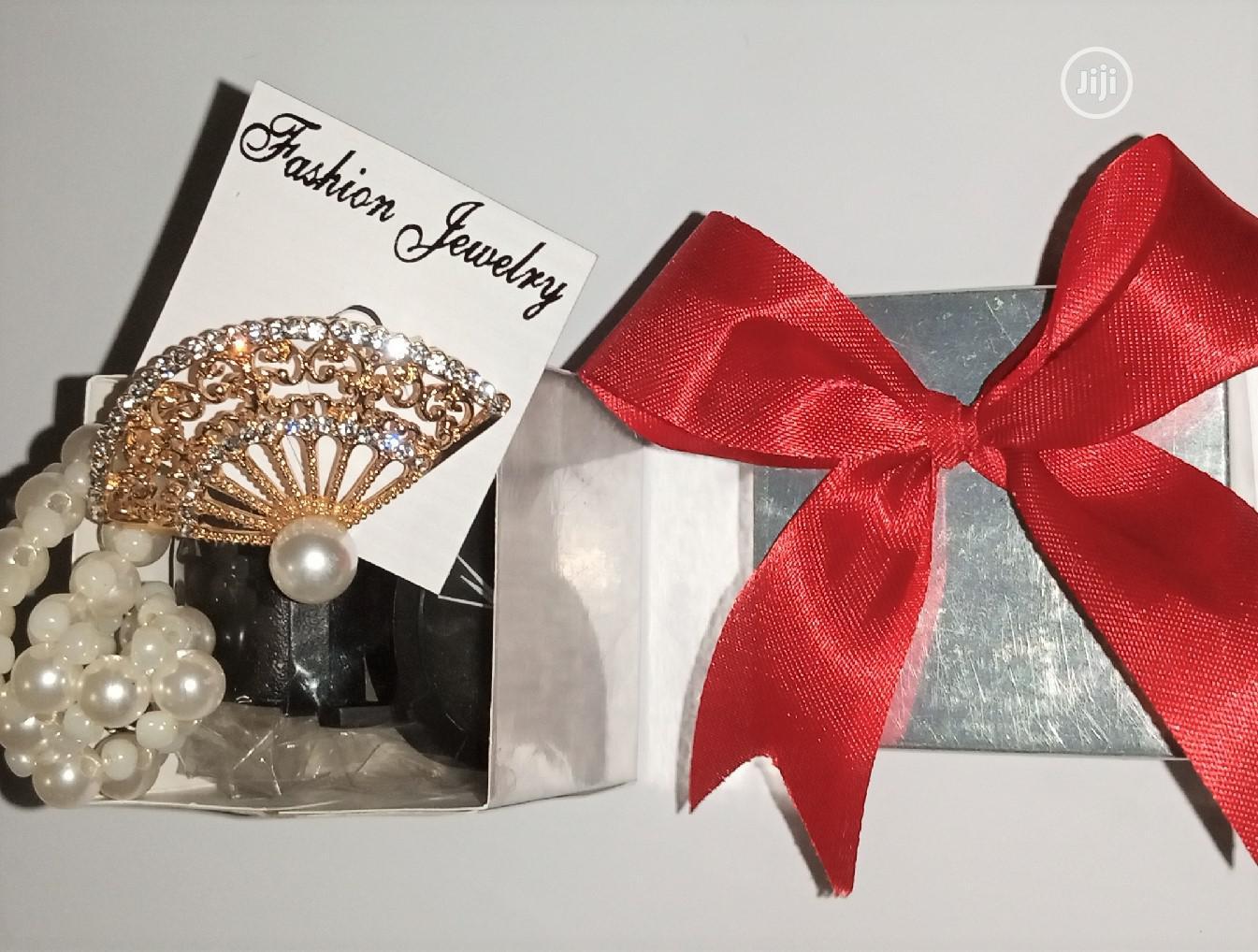 Archive: Mini Gift Box 3 In 1