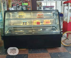 5ft Standing Cake Display/Chiller | Store Equipment for sale in Lagos State, Ojo