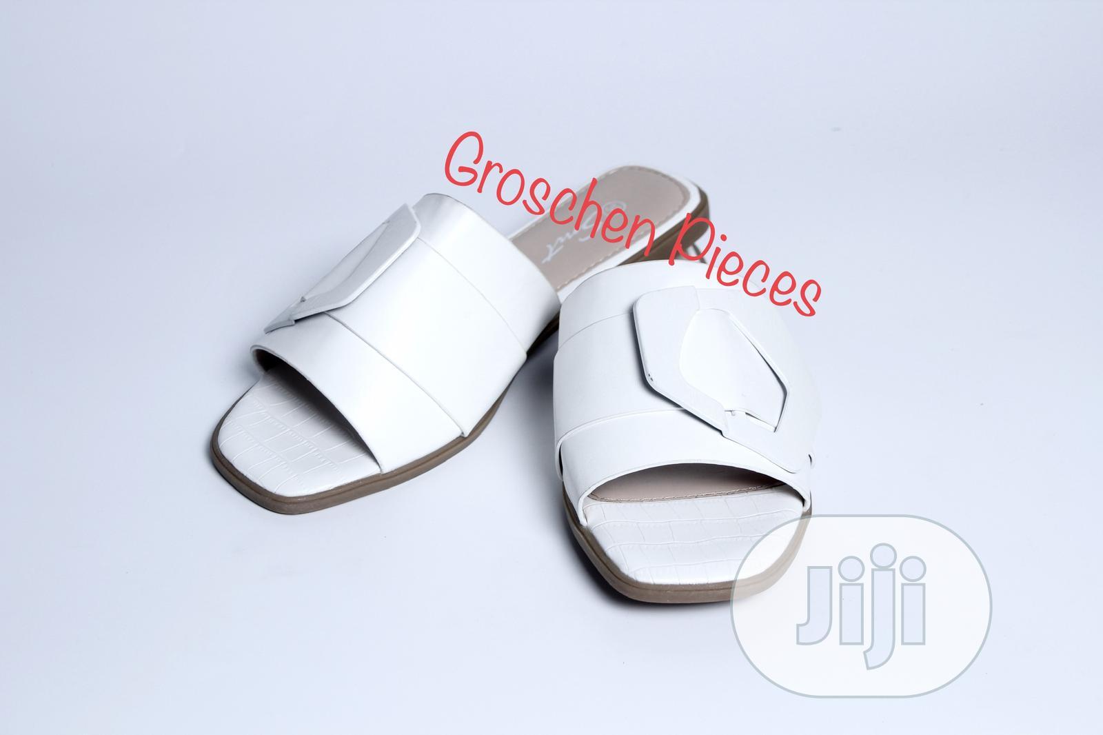 Open Toe Flat Luxury