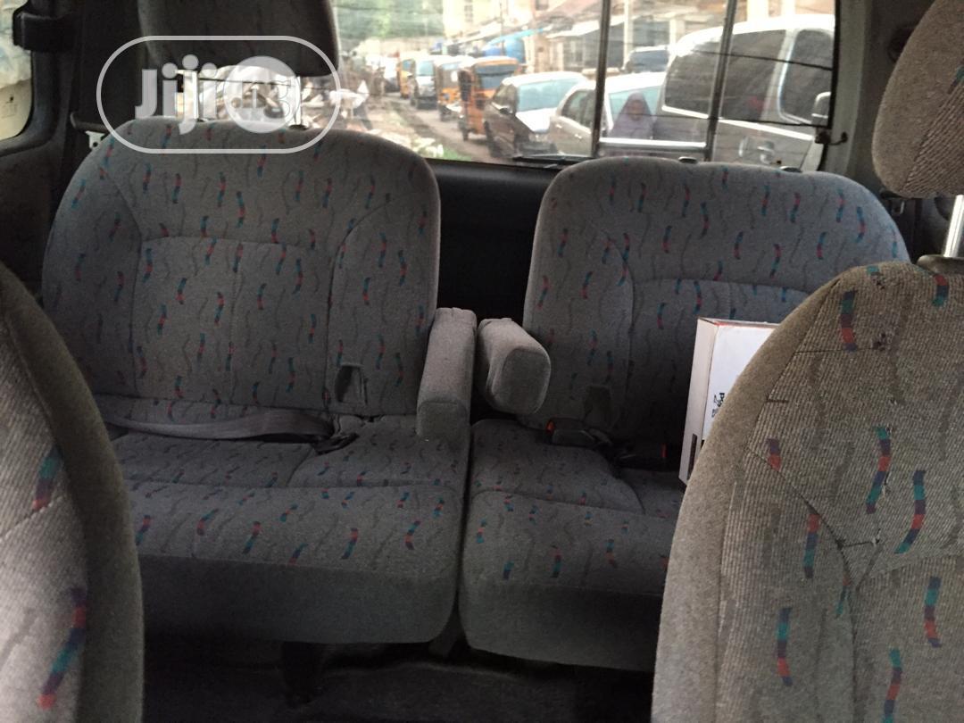 Hyundai Universe 2000 Silver | Buses & Microbuses for sale in Enugu / Enugu, Enugu State, Nigeria