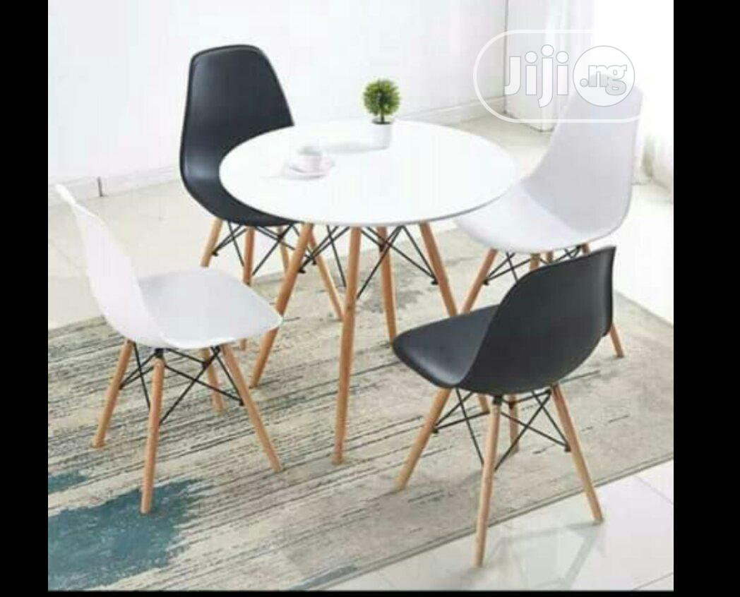 Affordable Set of Resturant Fiber Chair With Classic Table to Match