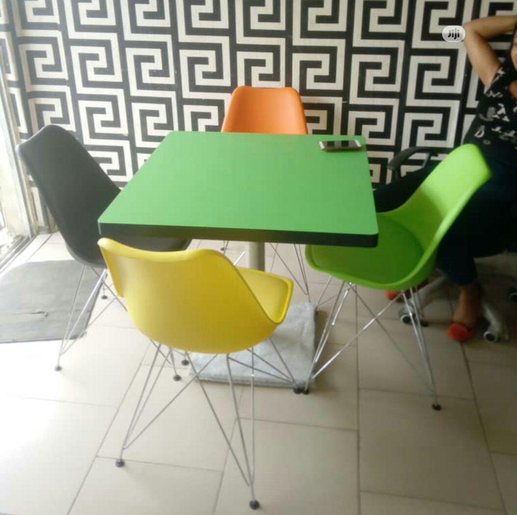 New Design Classic Resturant Set With Iron Leg Chair