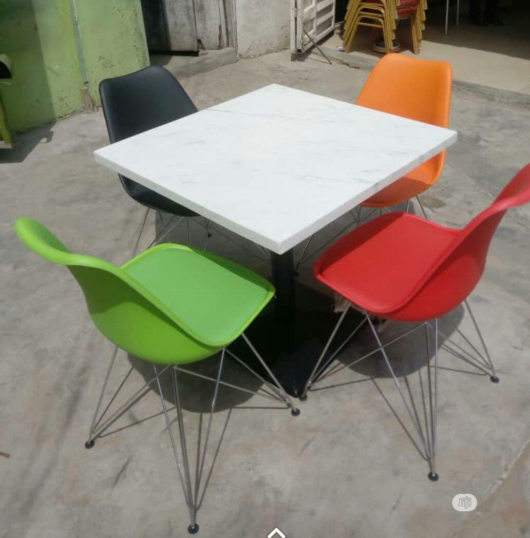 New Design Classic Resturant Set With Iron Leg Chair   Furniture for sale in Lekki, Lagos State, Nigeria