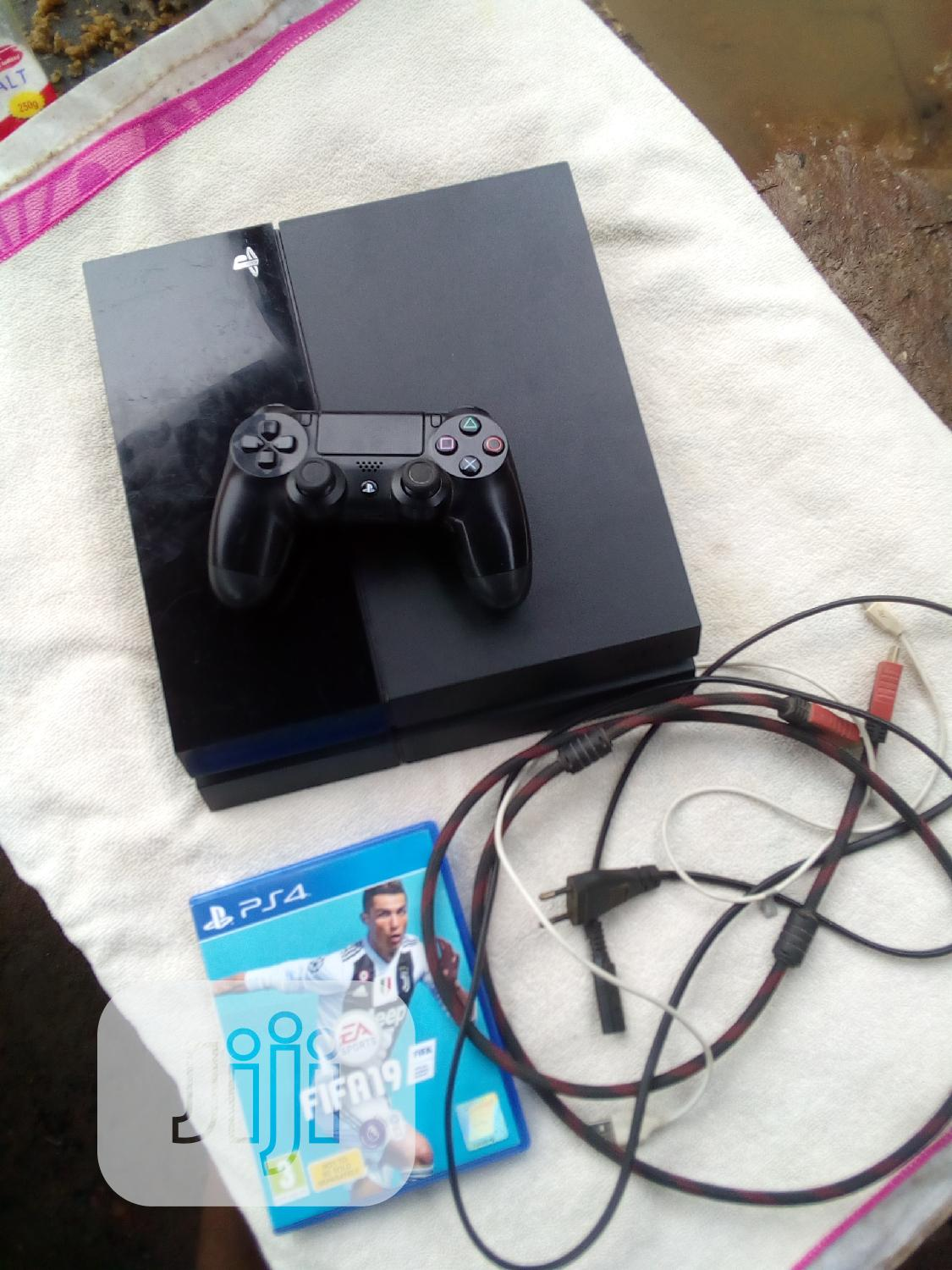Ps4+Pad+Power Cable+Games
