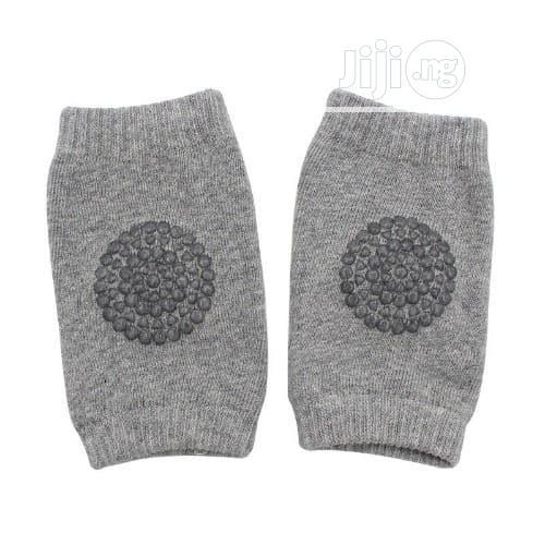 2 Pairs Of Baby Crawling Knee Pads Protectors - Navy Blue & Grey