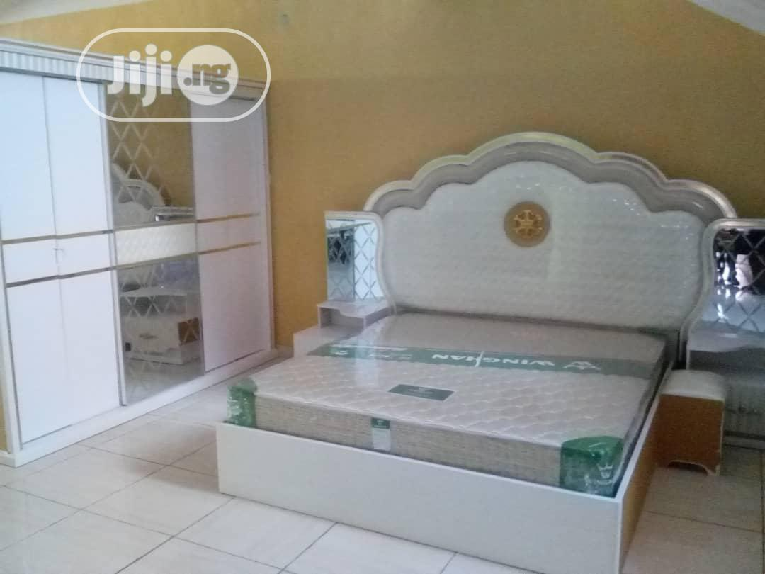 Bed With Dressing Mirror