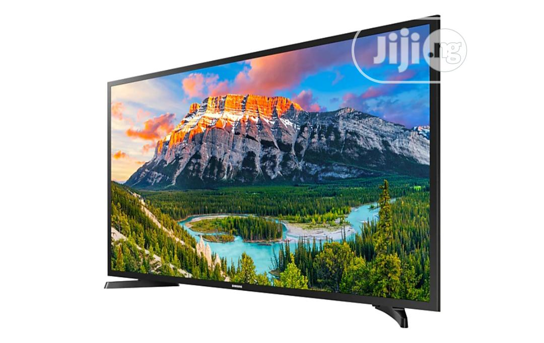 """Samsung N5300 Flat Screen TV 43"""" 