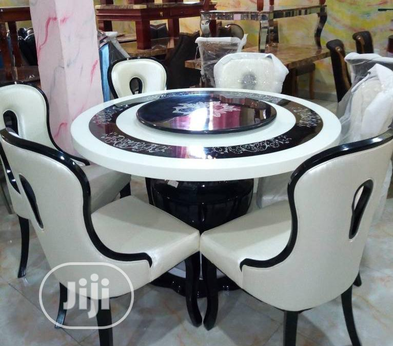 High Quality Important Royal Round Dining With 6 Chairs