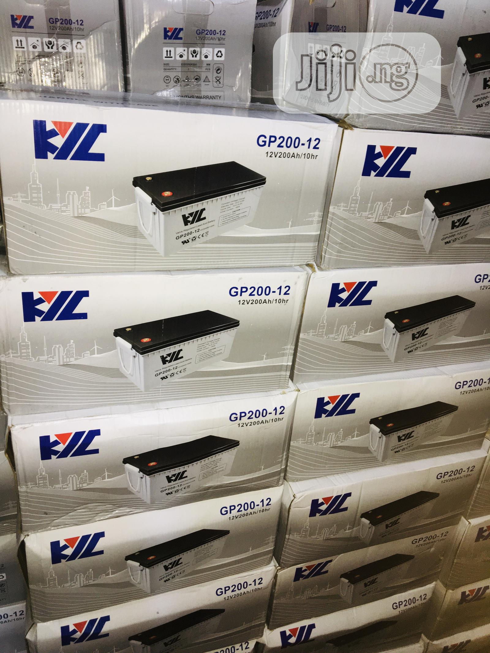 200ah 12v YIL Solar Battery Available With 1yr Warranty