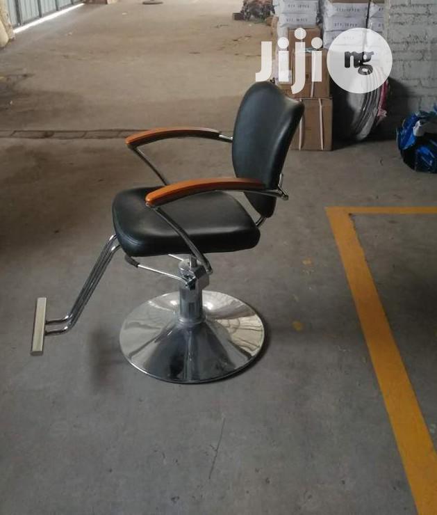 Barbing Chair