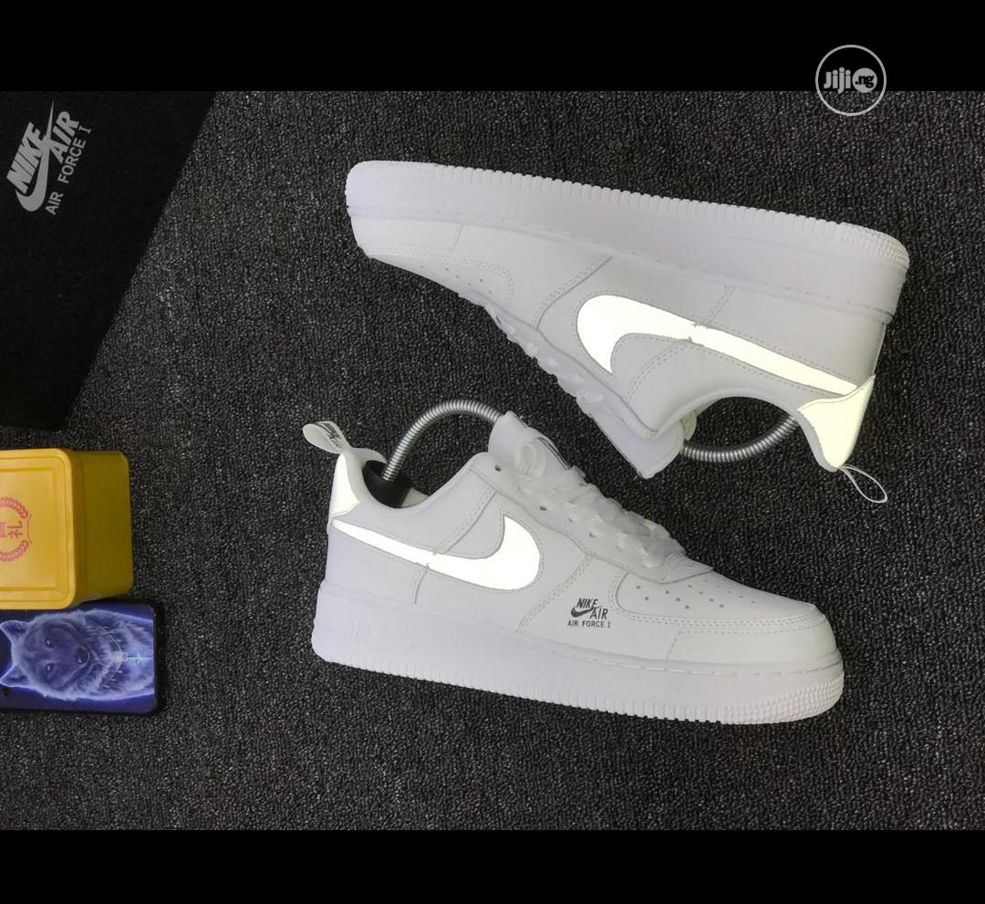 Nike Unisex White Sneakers   Shoes for sale in Surulere, Lagos State, Nigeria
