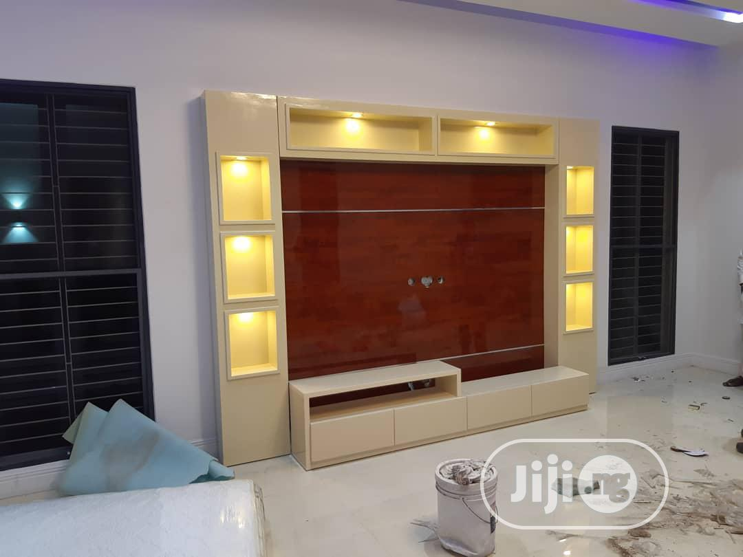 Luxury Home TV Stand With LED Bulbs