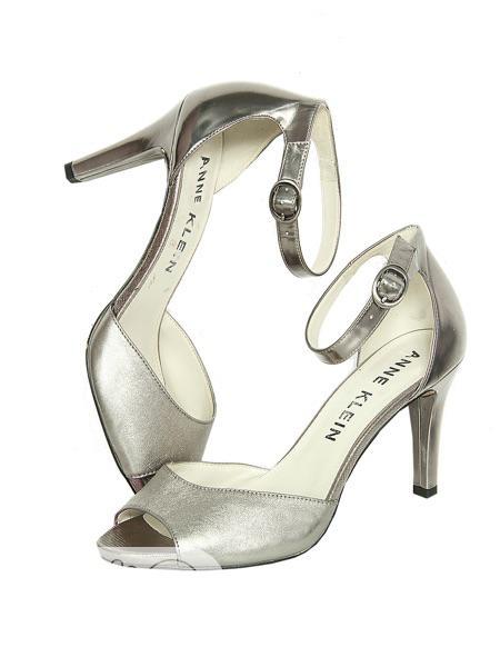 Big Feet Female Sandal(Anne Klein)