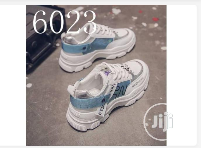 Chic Weider Sneakers-White Blue