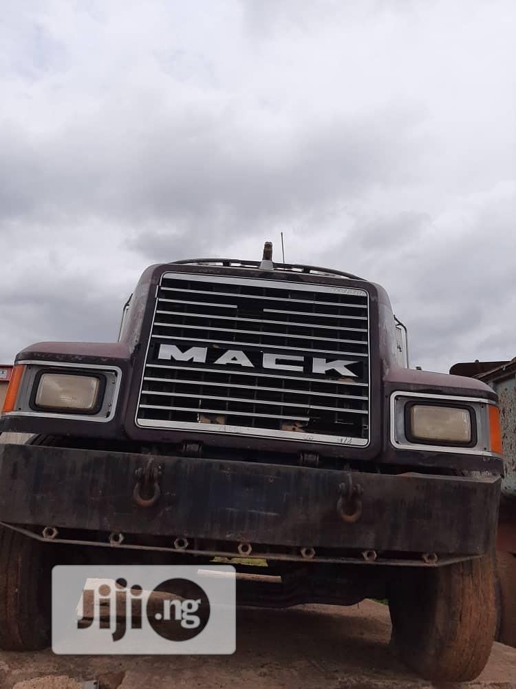 Archive: Mack Tractor Head CH Model
