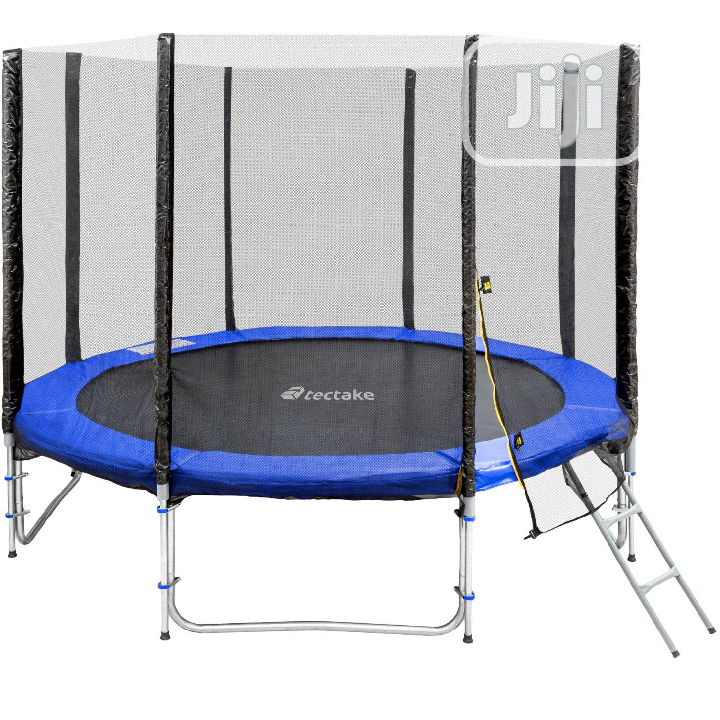 8ft Trampoline With Ladder and Enclosure Zip Close