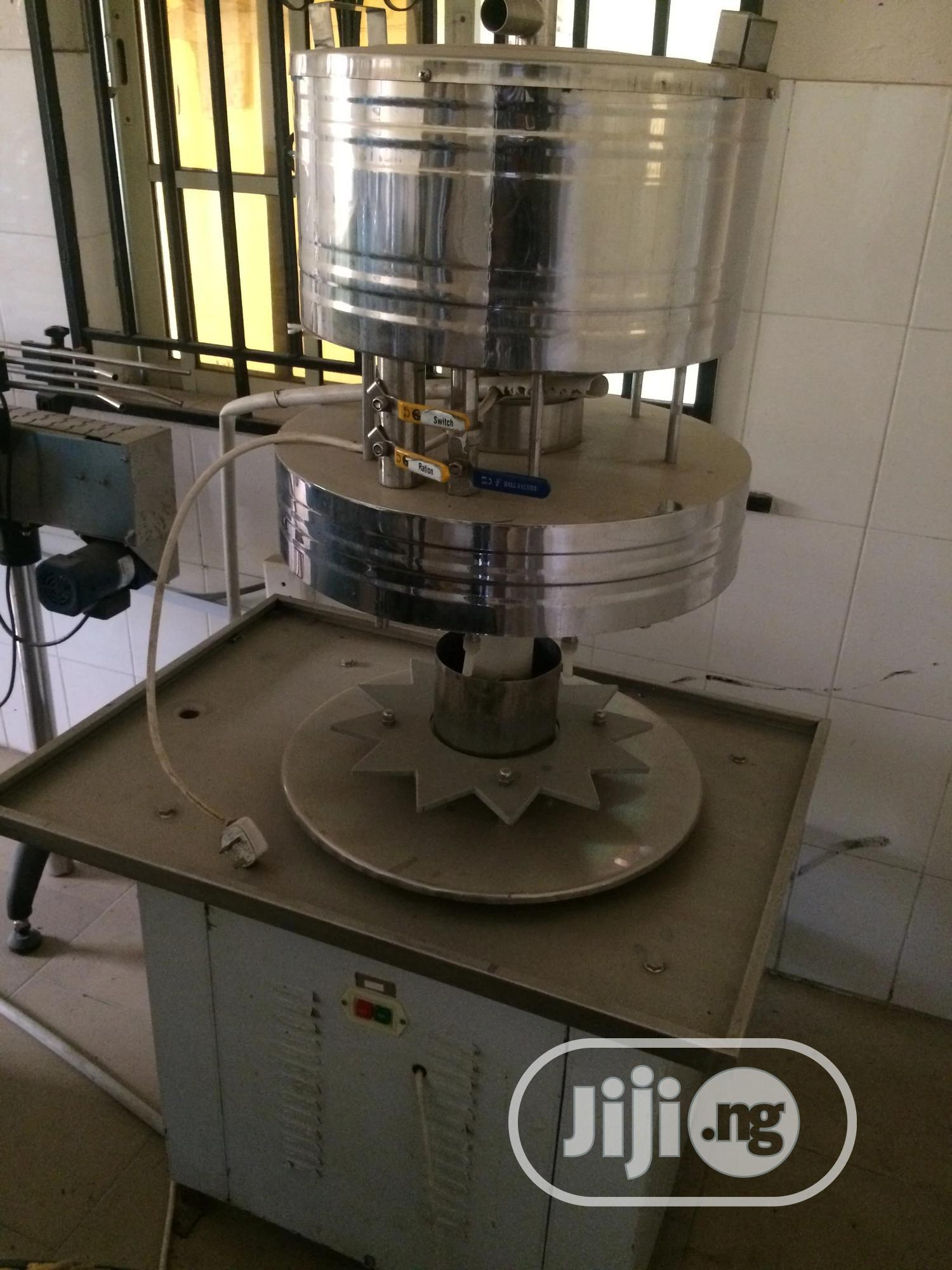 Archive: Clean Used Semi Auto Bottling Line