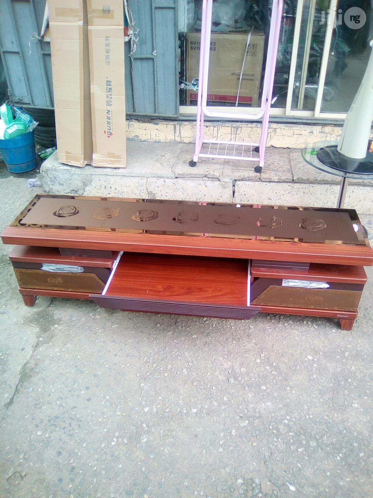 TV Shelf (6 Feet)