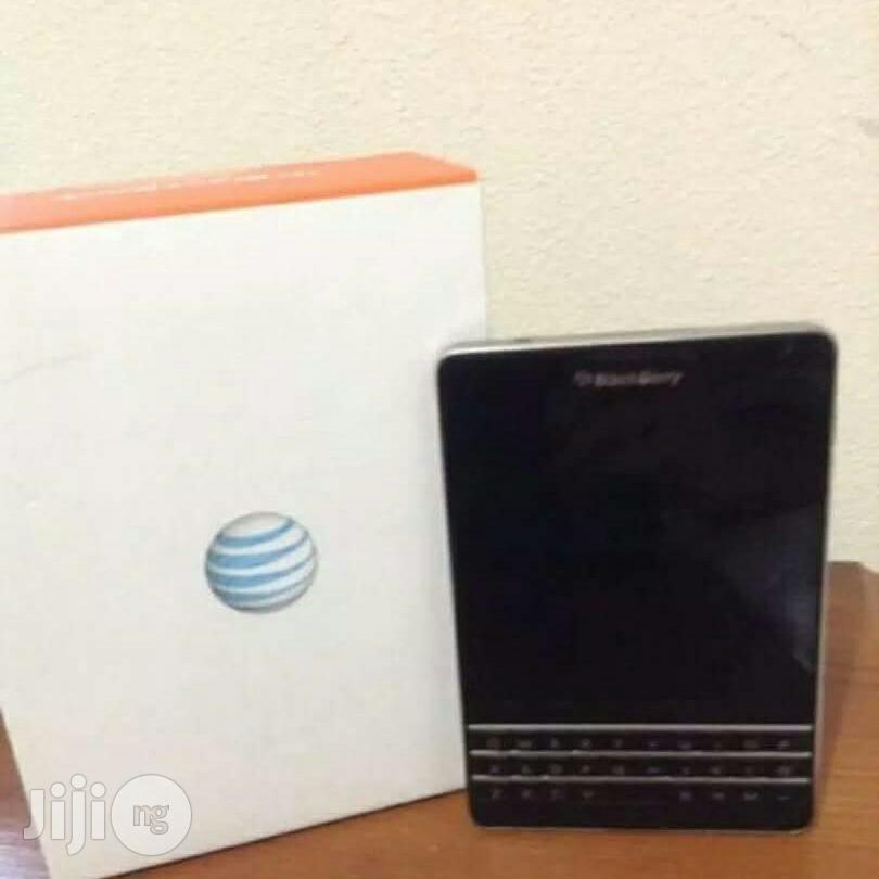 Archive: New Blackberry Passport Black 32 GB