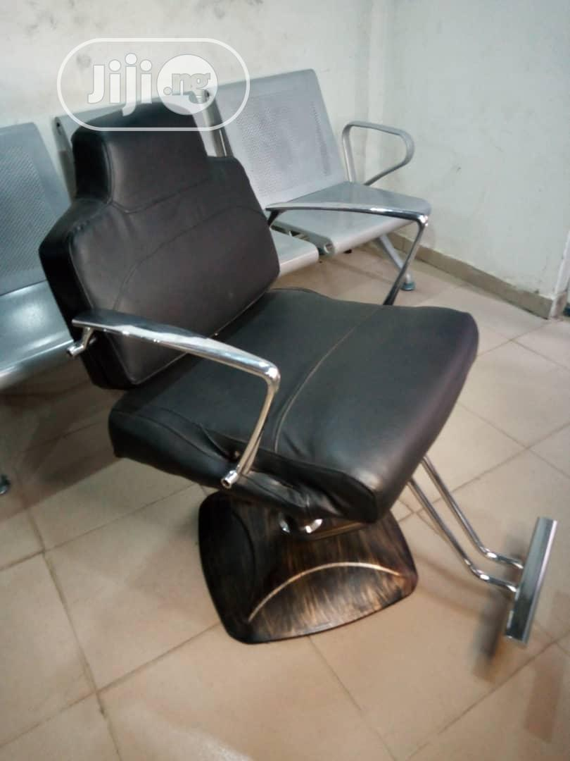 Archive: Executive Barber Chair