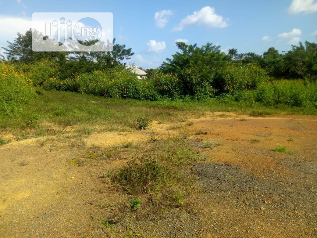 Plots of Land in FUTA North Gate Area.