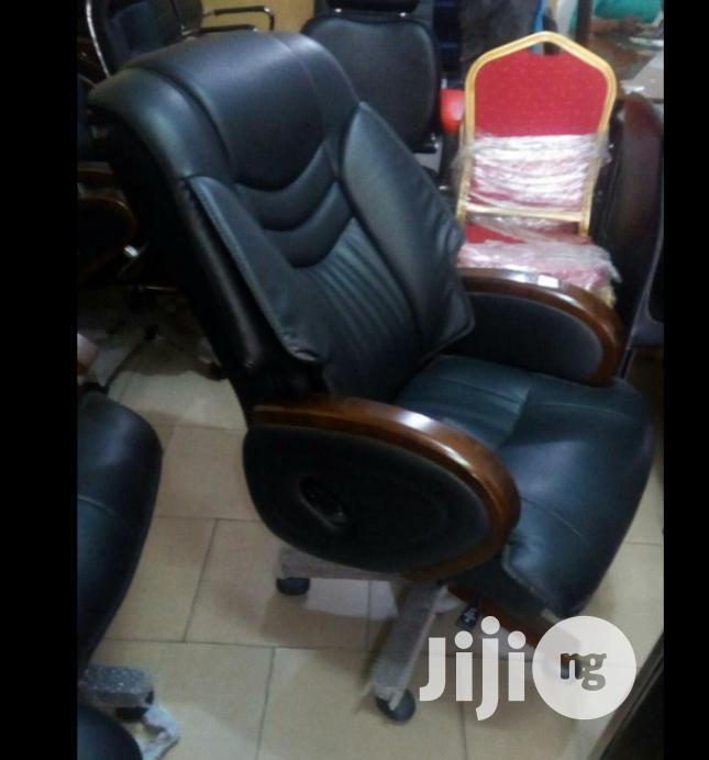 Brand New Imported Reclining Executive Leather Office Chair. Super Ch