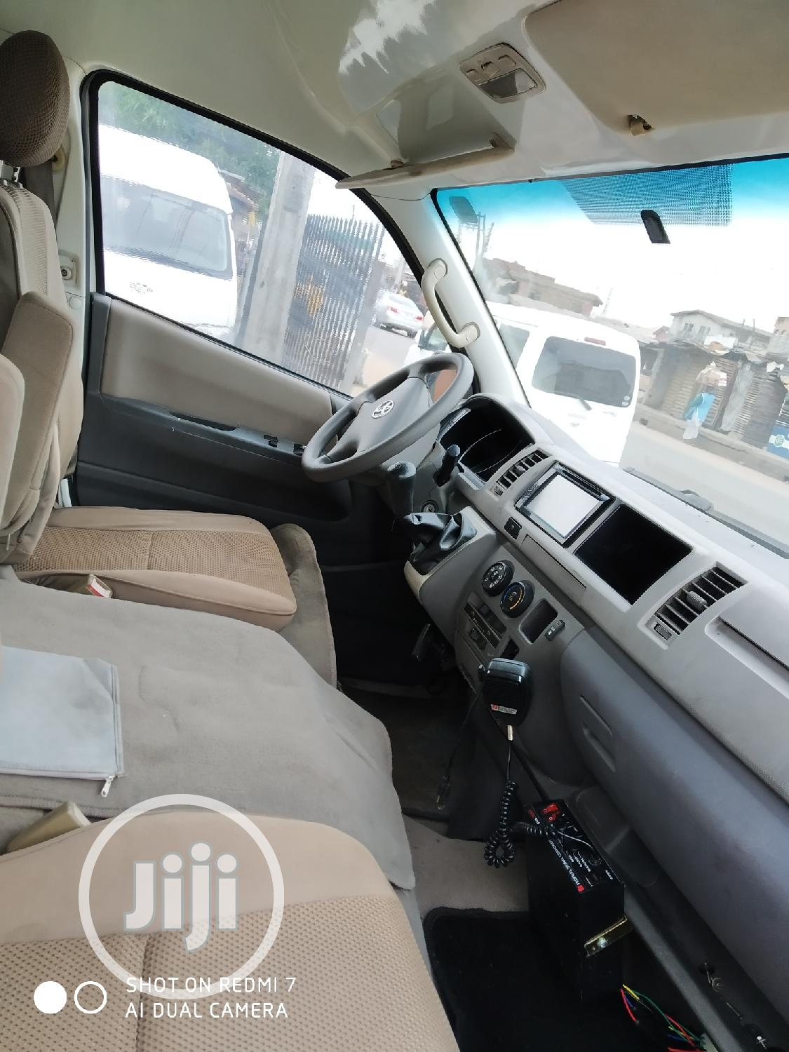 Tokunbo Toyota Hiace 2015 White | Buses & Microbuses for sale in Isolo, Lagos State, Nigeria