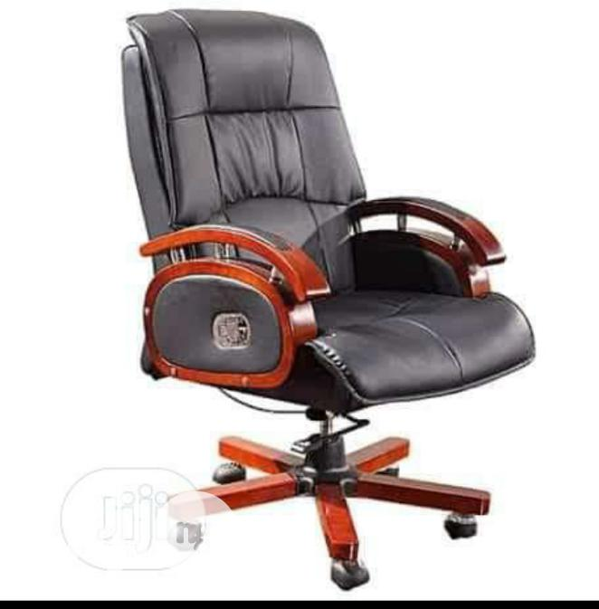 Brand New Imported Executive Reclining Leather Office Chair.